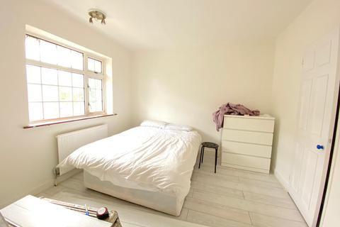 3 bedroom house to rent - Taft Way, Taft Way, Bow, E3