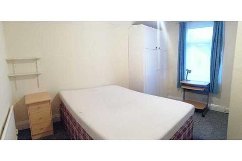 1 bedroom house share to rent - Dogfield Street, Cathays, Cardiff