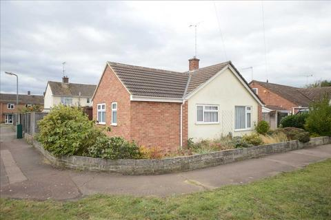 2 bedroom bungalow for sale - Redruth Close, Springfield, Chelmsford