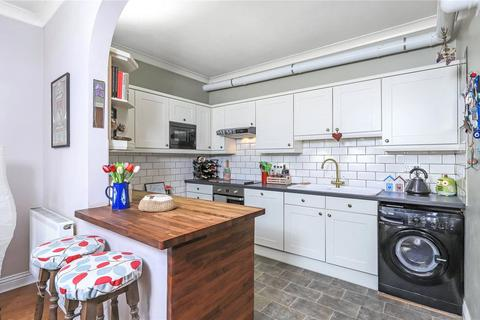 2 bedroom flat to rent - Penn Court, 7 Swan Lane, Winchester, Hampshire, SO23