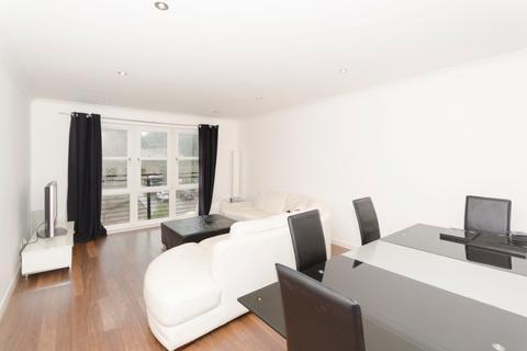3 bedroom flat to rent - Crombie House, Grandholm, Aberdeen, AB22 8BD