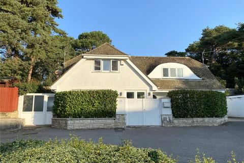 3 bedroom bungalow for sale - Banks Road, Poole, Dorset, BH13