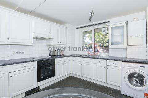 3 bedroom maisonette to rent - Benworth Street , Bow E3