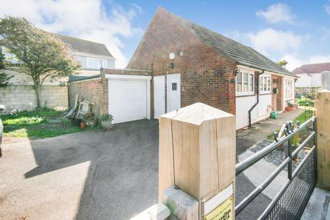 3 bedroom detached bungalow for sale - Tyganymor The Bridgeway, Selsey