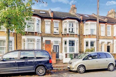 2 bedroom flat for sale - Salcombe Road, London E17