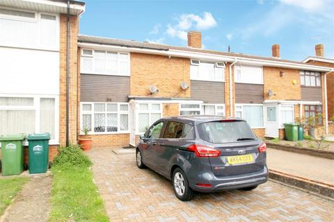2 bedroom terraced house for sale - Scots Close, STAINES-UPON-THAMES, Surrey