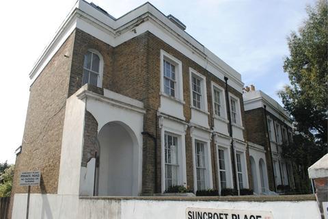 Studio to rent - Dartmouth Road, Sydenham