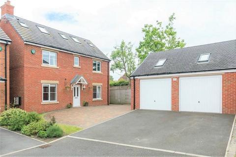 6 bedroom detached house for sale - Brakespear Close, Durham City