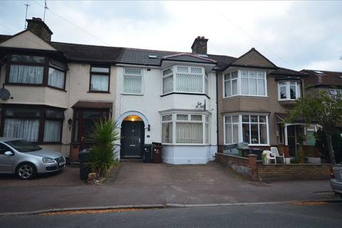 4 bedroom terraced house for sale - Beccles Drive, Barking