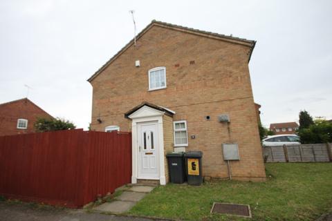 2 bedroom semi-detached house to rent - Peregrine Road Luton LU4