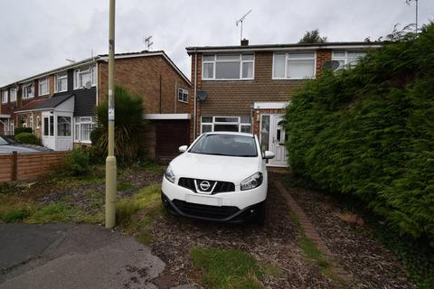 3 bedroom end of terrace house to rent - Sunnybank Road, Farnborough