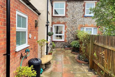 2 bedroom cottage for sale - High Street, East Runton