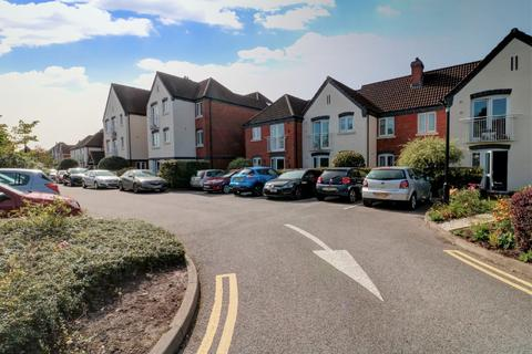 2 bedroom apartment - Chester Road, Streetly
