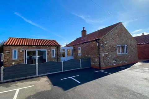 2 bedroom detached bungalow for sale - South View Bungalow, Barmston