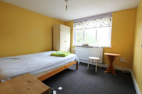 1 bedroom house share to rent - West End Avenue, Leyton, E10