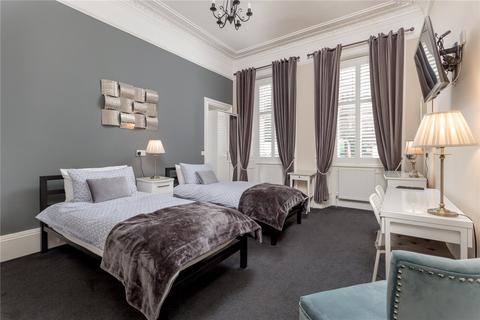 5 bedroom flat - 5 McDonald Road, City Centre, Edinburgh, EH7