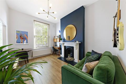 1 bedroom flat for sale - Shepherds Bush Road, London, W6