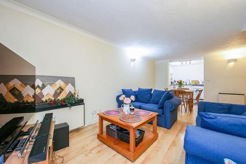 1 bedroom flat for sale - Fletcher Street, London E1