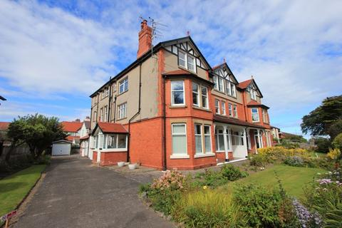 2 bedroom apartment for sale - Llannerch Road East, Rhos on Sea