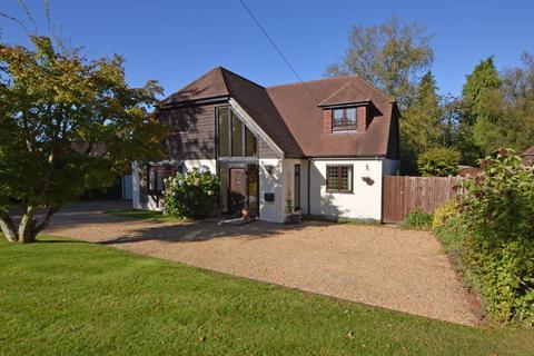 4 bedroom detached house for sale - Windsor Road, Medstead, Alton, Hampshire