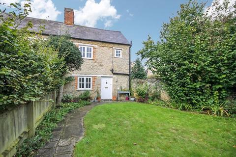 2 bedroom cottage for sale - Crown Road KIDLINGTON