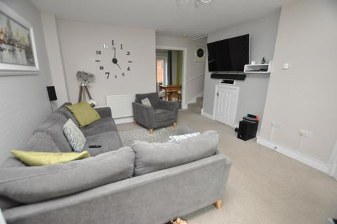4 bedroom link detached house - Burghley Way, Chelmsford, CM2