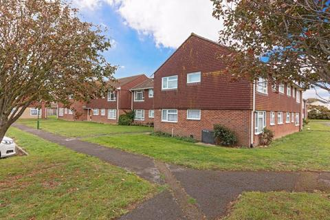 2 bedroom flat - Beachcroft Place, Lancing