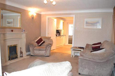 3 bedroom house for sale - White Bark Close, Hednesford, Cannock