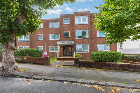 2 bedroom flat - Florence Road