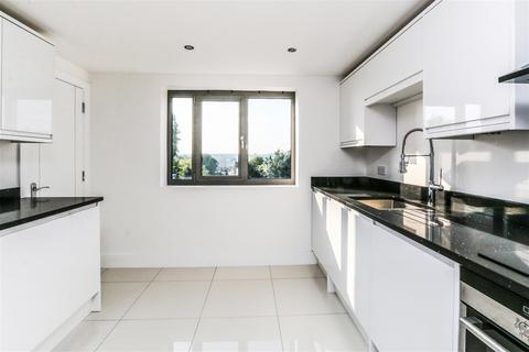 3 bedroom apartment for sale - 104 Manor Way, Blackheath, London