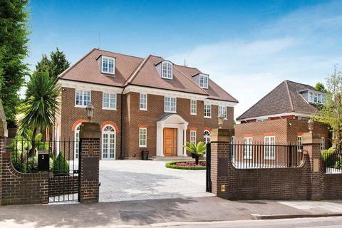 5 bedroom detached house for sale - Byron Drive, Hampstead Garden Suburb, London