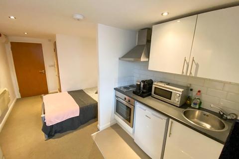 Studio to rent - Broomhall House, Filey Lane, Sheffield S3