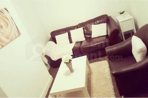 3 bedroom house share to rent - Ashburnham Road