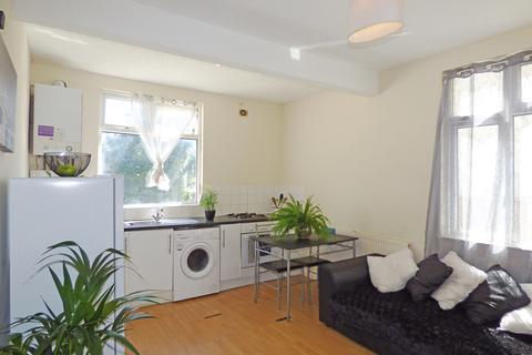 1 bedroom flat for sale - 36 Surbiton Avenue, Southend-on-Sea, Essex, SS1