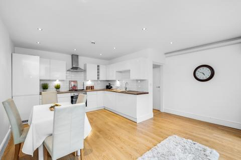 3 bedroom flat for sale - Foxberry Road London SE4
