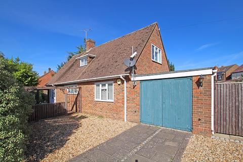 3 bedroom detached bungalow for sale - Kingsham Avenue, Chichester PO19