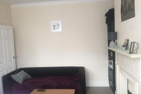 1 bedroom flat to rent - Spacious 1 Bed Flat to Rent in Trinity Rise, London SW2  Norwood