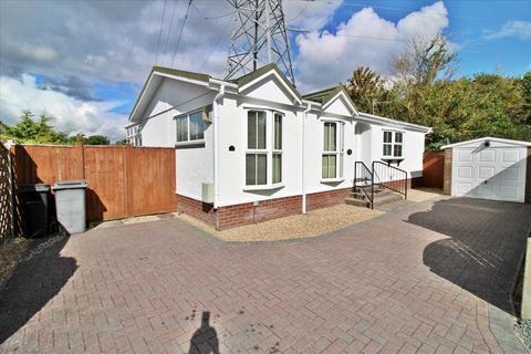 2 bedroom park home for sale - Stour Park, Northbourne, Bournemouth