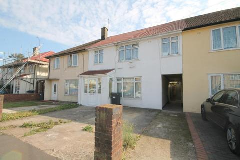 4 bedroom terraced house for sale - Ely Road, Hounslow, TW4