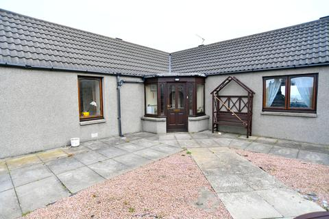 3 bedroom bungalow for sale - Mid Street, St Combs, AB43