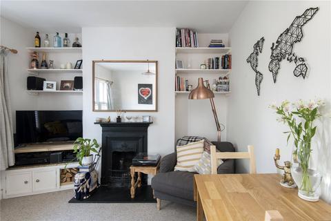 2 bedroom maisonette for sale - Ferrers Road, London, SW16