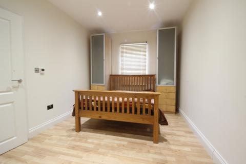 Studio to rent - Newlands Drive, , Maidenhead, SL6 4LL