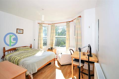 1 bedroom house share to rent - The Limes Avenue, London, N11