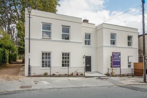 2 bedroom flat for sale - Brandram Road, Lewisham, SE13