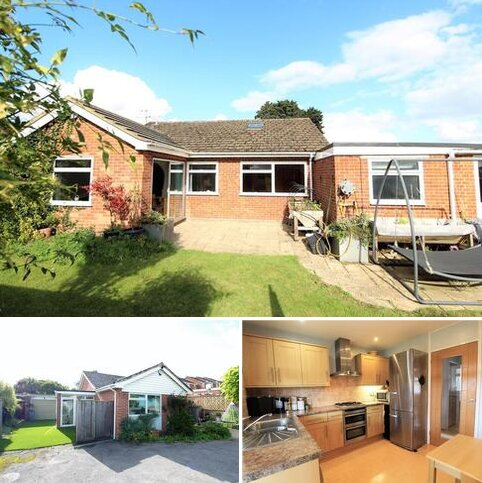 4 bedroom detached bungalow for sale - Brill Close, Marlow