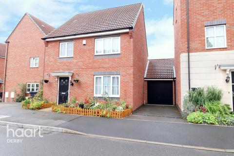 3 bedroom detached house for sale - Girton Way, Mickleover