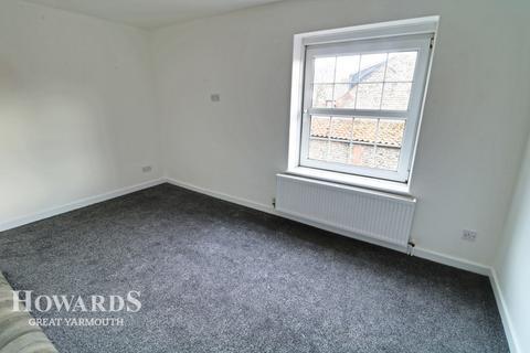 2 bedroom terraced house for sale - Church Street, Trimingham