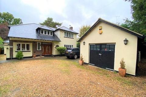5 bedroom detached house to rent - Camberley