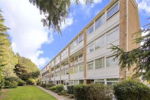 3 bedroom apartment for sale - Tarnwood Park,, Court Road, London, SE9
