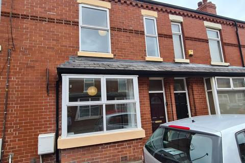 3 bedroom terraced house to rent - Hartington Street, Manchester, M14 4RP